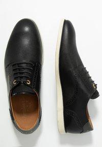 Pantofola d'Oro - LUGO UOMO LOW - Volnočasové šněrovací boty - black - 1