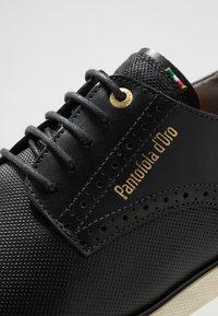 Pantofola d'Oro - LUGO UOMO LOW - Volnočasové šněrovací boty - black - 5