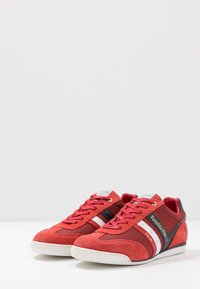 Pantofola d'Oro - VASTO UOMO  - Trainers - racing red - 2