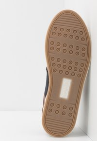 Pantofola d'Oro - MILITO UOMO - Trainers - tortoise shell - 4
