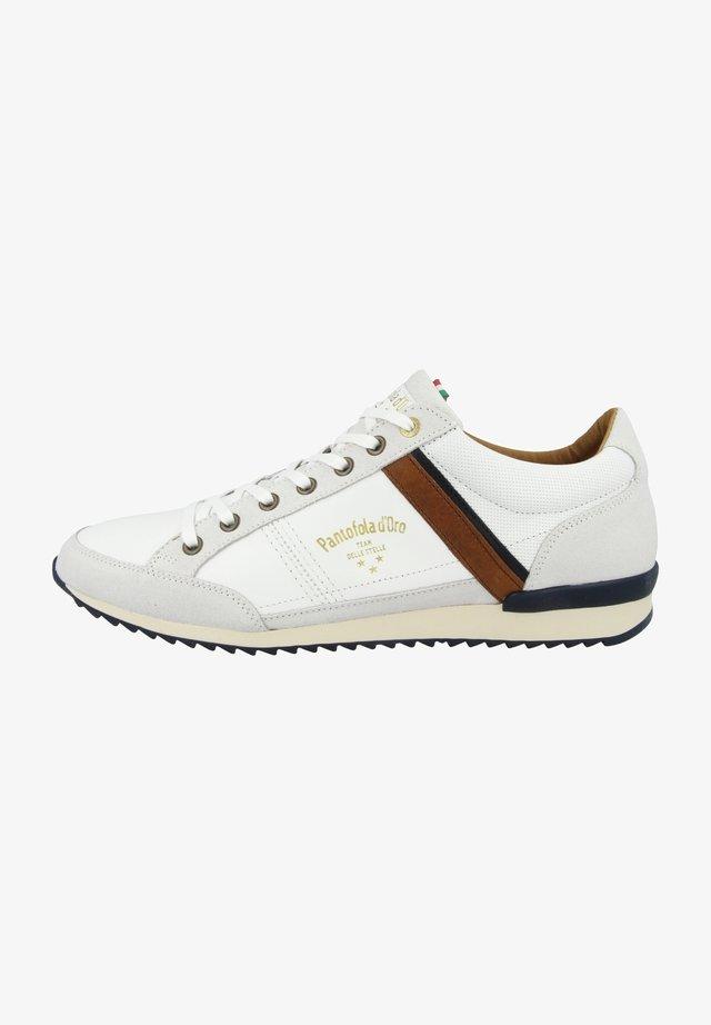 Trainers - bright white (10203040.1fg)