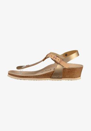 ASHLEY - Sandály s odděleným palcem - copper