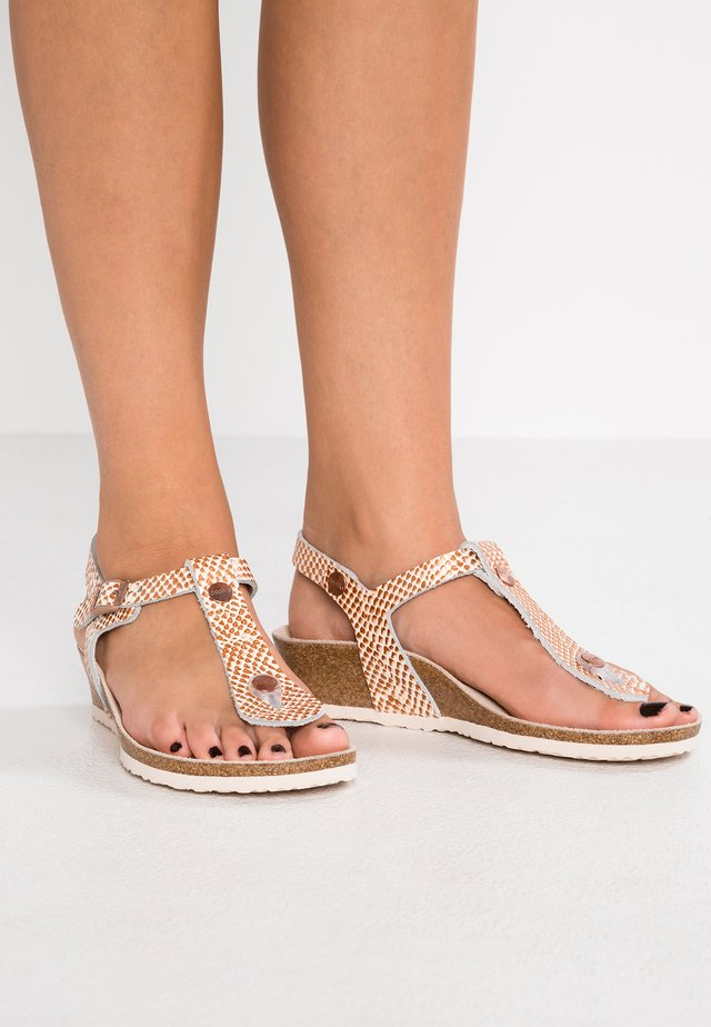 ASHLEY REGULAR FIT - T-bar sandals - cream