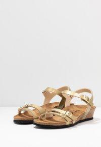 Papillio - LANA - Sandály na klínu - metallic gold - 4