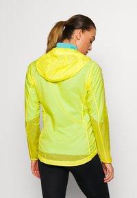 Patagonia - HOUDINI - Outdoor jacket - pineapple - 2