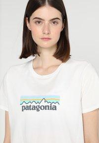 Patagonia - LOGO CREW  - T-shirt med print - white - 4