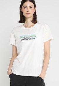 Patagonia - LOGO CREW  - T-shirt med print - white - 0