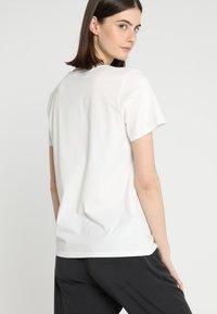 Patagonia - LOGO CREW  - T-shirt med print - white - 2