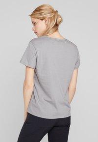 Patagonia - LOGO CREW  - T-shirt print - feather grey - 2