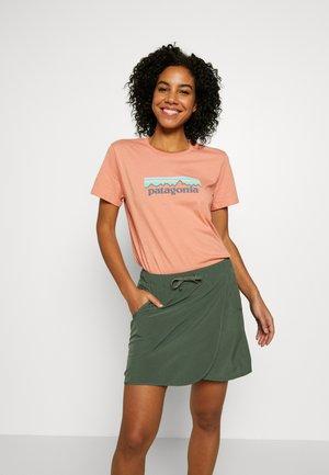 LOGO CREW  - T-shirt print - mellow melon