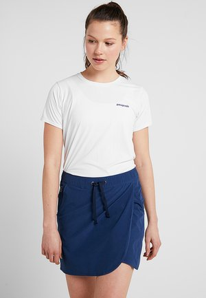 CAP COOL DAILY GRAPHIC - T-shirt con stampa - white