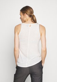 Patagonia - MOUNT AIRY SCOOP TANK - Topper - white wash - 2