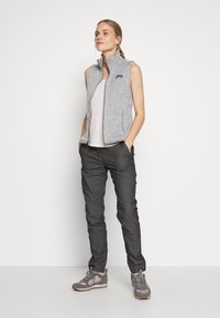 Patagonia - MOUNT AIRY SCOOP TANK - Topper - white wash - 1
