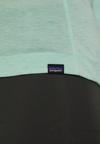 Patagonia - CAP COOL TRAIL BIKE - T-Shirt basic - gypsum green - 5