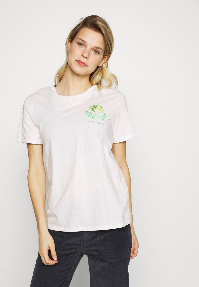 Patagonia - FIBER ACTIVIST CREW  - T-shirts med print - white