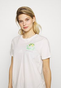 Patagonia - FIBER ACTIVIST CREW  - T-shirts med print - white - 3