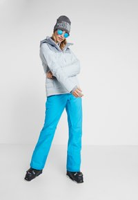 Patagonia - INSULATED SNOWBELLE PANTS - Pantaloni da neve - curacao blue - 1