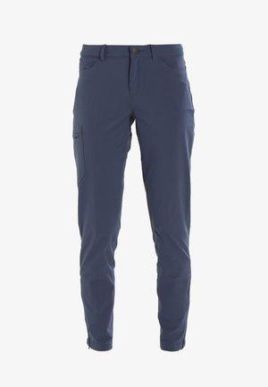 SKYLINE TRAVELER PANTS  REG - Spodnie materiałowe - dolomite blue