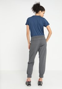 Patagonia - AHNYA PANTS - Tracksuit bottoms - forge grey - 2