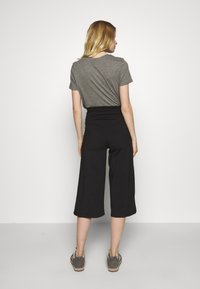 Patagonia - STEM GEM ROCK CROPS - 3/4 sports trousers - black - 2