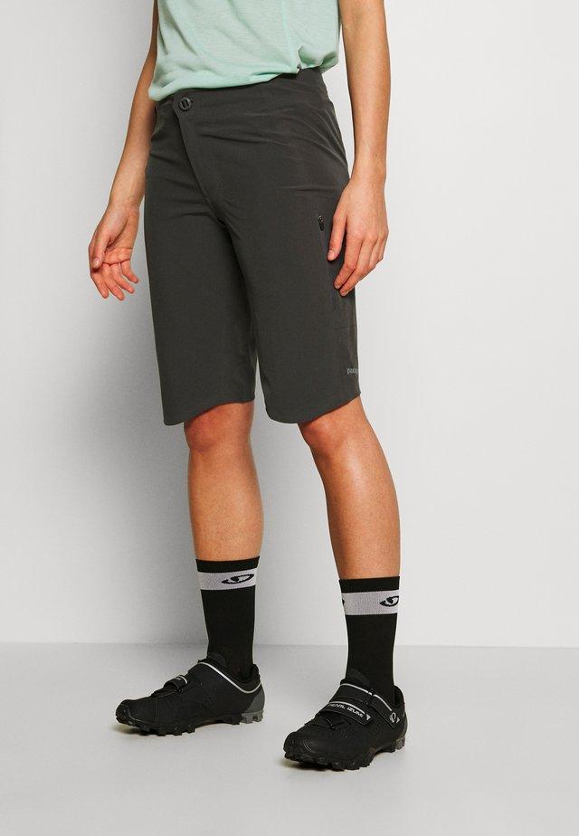 DIRT ROAMER BIKE - Outdoor Shorts - forge grey