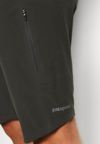 Patagonia - DIRT ROAMER BIKE - Outdoor Shorts - forge grey - 3