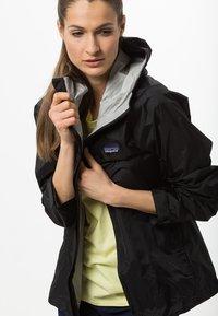 Patagonia - TORRENTSHELL - Hardshell jacket - black - 3