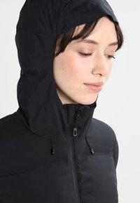 Patagonia - JACKSON GLACIER - Kabát zprachového peří - black - 5
