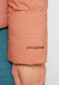 Patagonia - SILENT - Dunjakke - century pink - 6