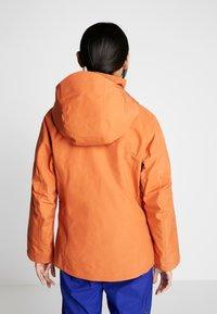 Patagonia - INSULATED POWDER BOWL  - Snowboard jacket - sunset orange - 2