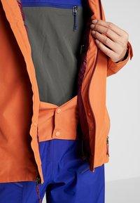 Patagonia - INSULATED POWDER BOWL  - Snowboard jacket - sunset orange - 6