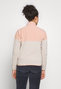 Patagonia - BETTER SWEATER SHELLED - Fleecová bunda - pumice