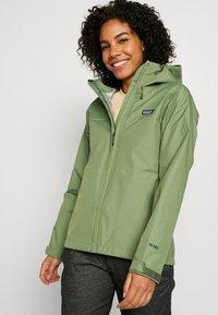 Patagonia - TORRENTSHELL - Hardshell jacket - camp green - 3