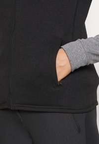 Patagonia - BETTER SWEATER - Smanicato - black - 5