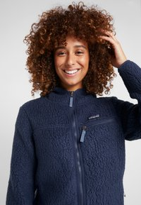 Patagonia - RETRO PILE HOODY - Giacca in pile - neo navy - 3