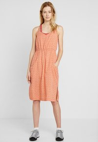 Patagonia - LOST WILDFLOWER DRESS - Freizeitkleid - sunset orange - 1