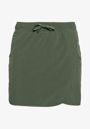 FLEETWITH SKORT - Sportrock - kale green
