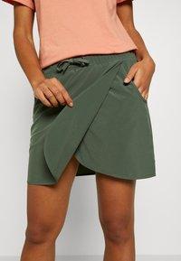 Patagonia - FLEETWITH SKORT - Sports skirt - kale green - 3