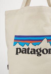 Patagonia - MARKET TOTE - Treningsbag - bleached stone - 2