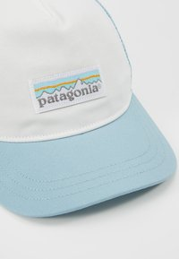 Patagonia - LABEL LAYBACK TRUCKER HAT - Cap - white/big sky blue - 5