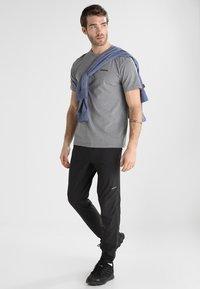 Patagonia - LOGO RESPONSIBILI TEE - T-shirt z nadrukiem - grey - 1