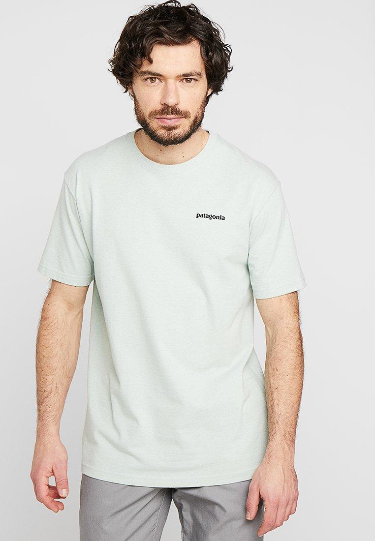 Patagonia - LOGO RESPONSIBILI TEE - Print T-shirt - lite distilled green