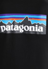 Patagonia - LOGO RESPONSIBILI TEE - T-shirt med print - black - 5
