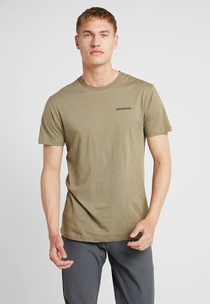 LOGO ORGANIC - T-shirts med print - sage khaki