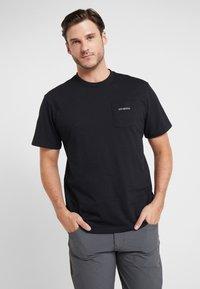 Patagonia - LINE LOGO RIDGE POCKET RESPONSIBILI TEE - T-shirt med print - black - 0