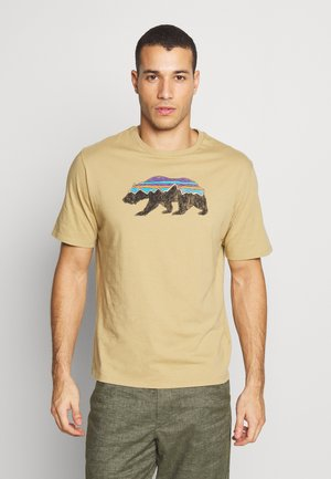 FITZ ROY BEAR ORGANIC - T-shirt z nadrukiem - classic tan