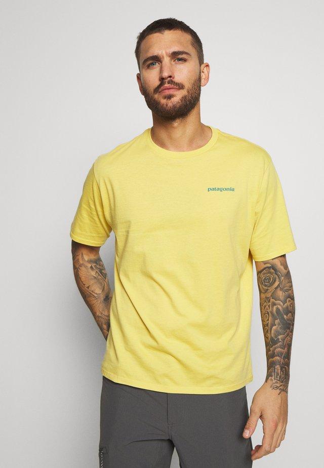 FLYING FISH - T-Shirt print - surfboard yellow