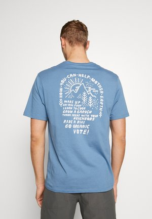 HOW TO HELP - T-Shirt print - pigeon blue