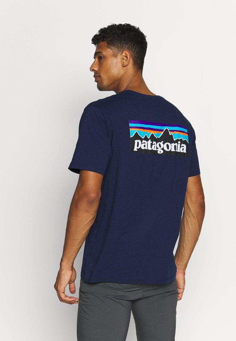 Patagonia - LOGO ORGANIC - Camiseta estampada - classic navy