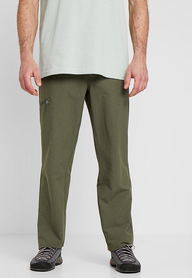 Patagonia - QUANDARY PANTS - Pantaloni - industrial green